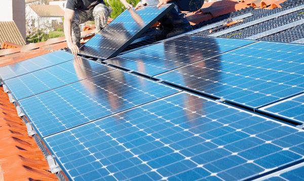 Pose panneau solaire maison